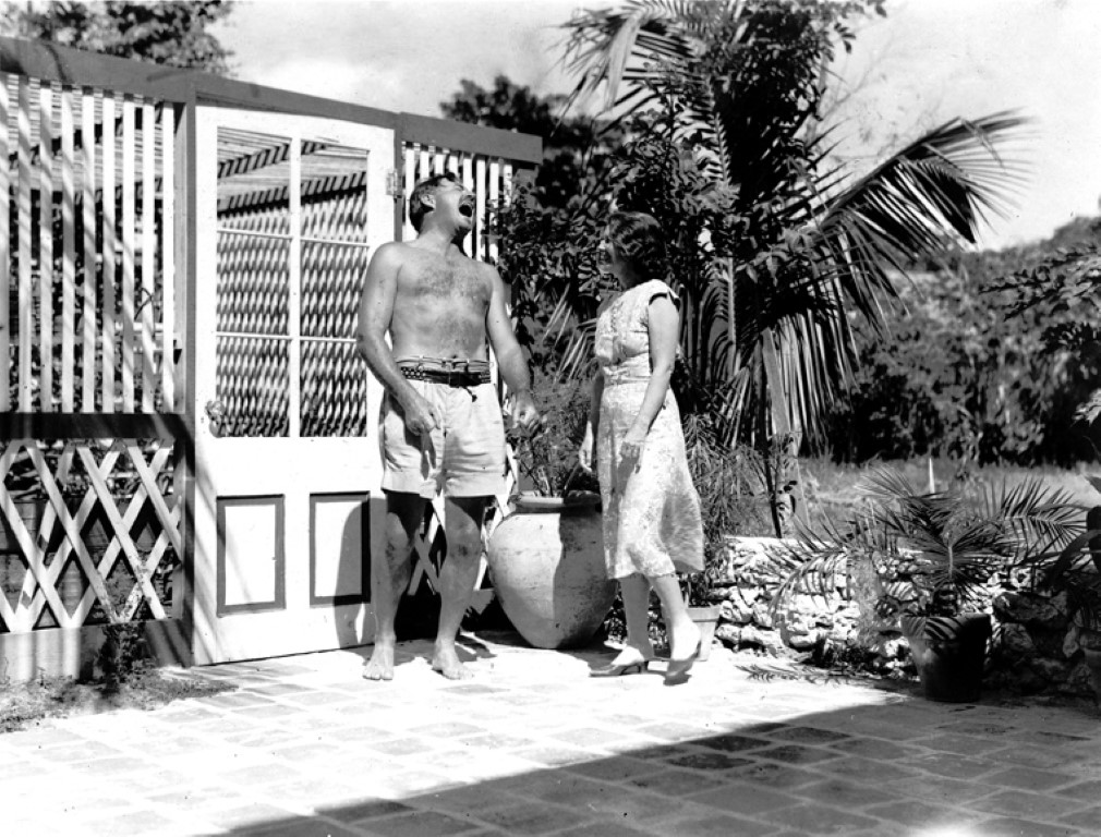 Ernest und Pauline Hemingway bei Hemingway's Key West Haus.