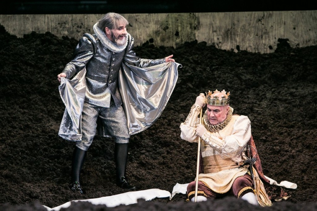 Franz Solar & Gerhard Balluch als ehrenhafter alter Kanzler Gonzalo & Alonso, König von Neapel.