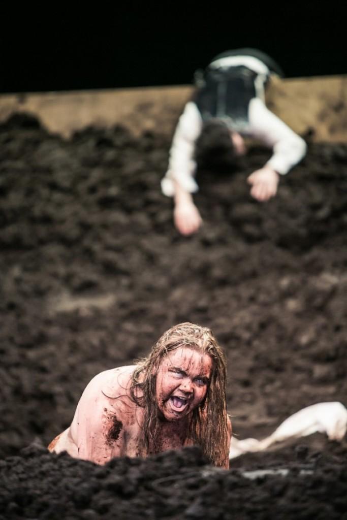 Die großartige Julia Gräfner in der Rolle des Caliban.