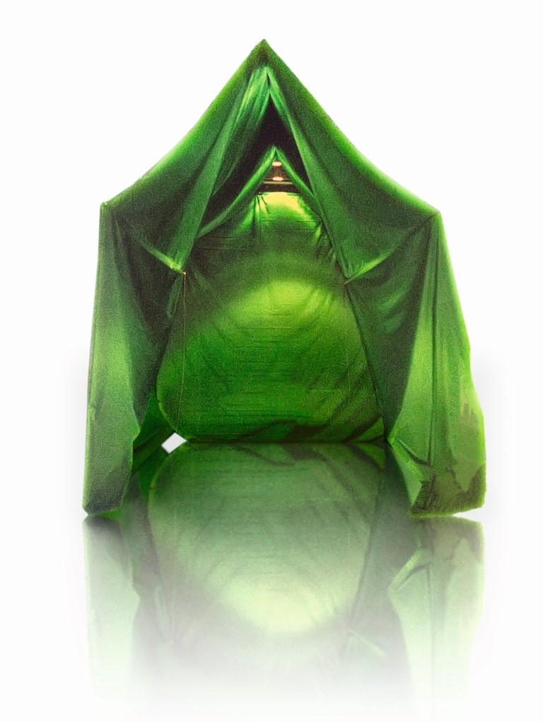 "Matta Wagnest ""casa verde"", 2003 - 2015, Technik: Naht / Spinnaker, Format: 500cmx400cm.300cm, courtesy of the artist"