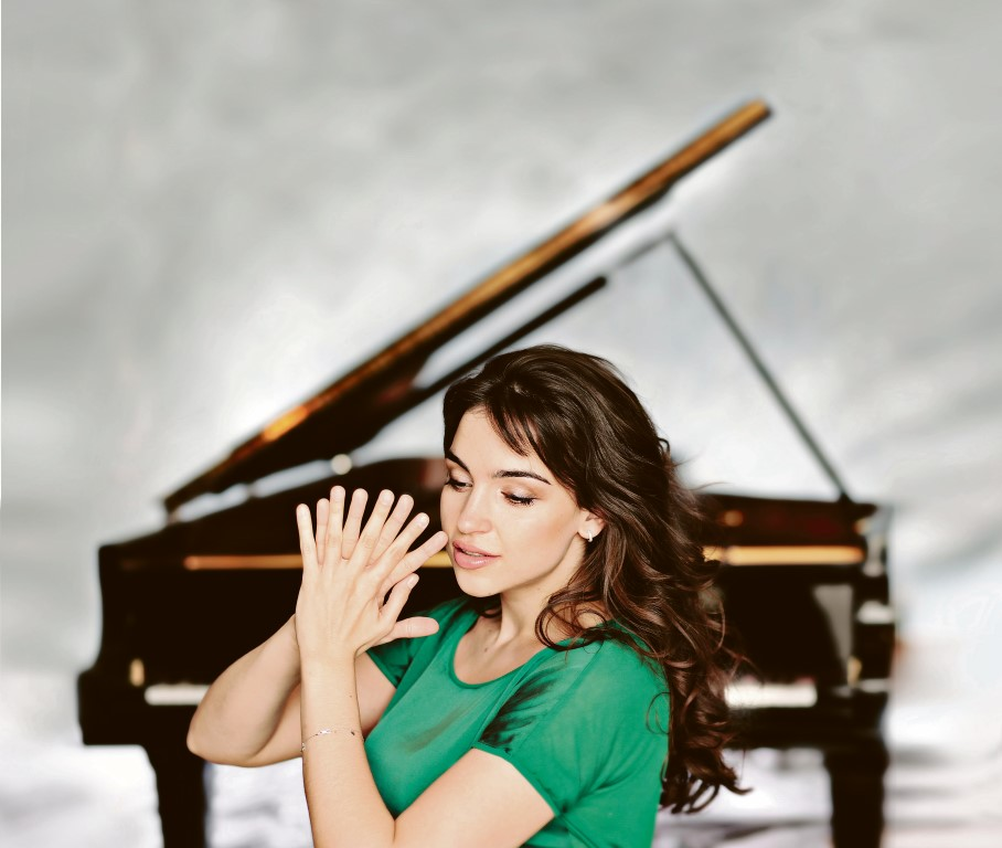 Olga Scheps by Uwe Arens