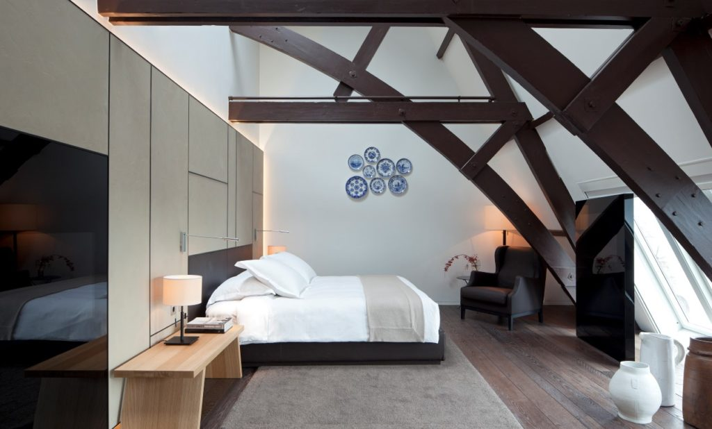 Eine Junior Suite, die den CHarakter des Hauses bewahrt, aber keine Wünsche eines modernen Luxushotels offen läßt.