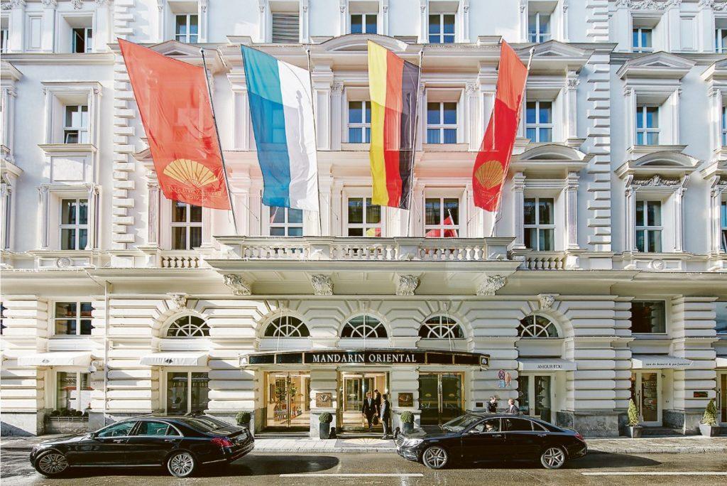 Das Mandarin Oriental in München bietet kuxuriösen Wohnkomfort im Zentrum der Münchner Altstadt.